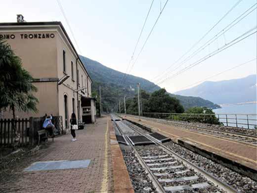 Bahnhof Pino Tronzano