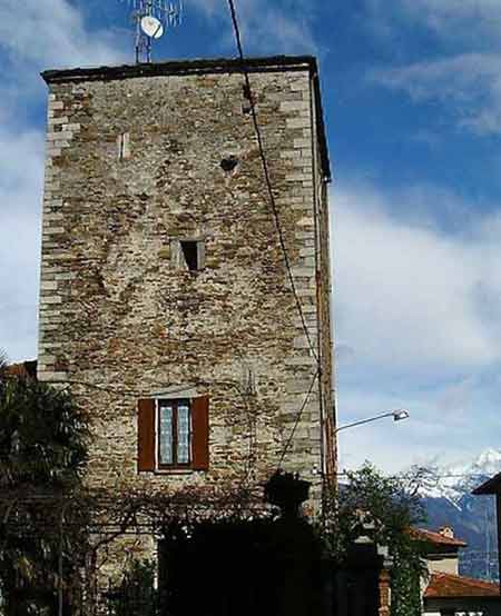 Turm Torre di Pino