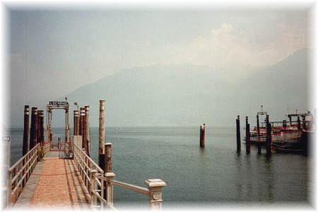 Der Bootsanlegeplatz in Locarno's Hafen - - Il Porto di Locarno - Imbarcadero mit Bootsanlegeplatz