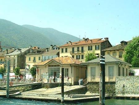Hafen von Cannobio am Lago Maggiore