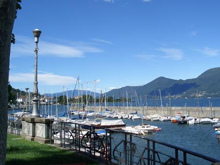 Luino: Uferpromenade von Luino