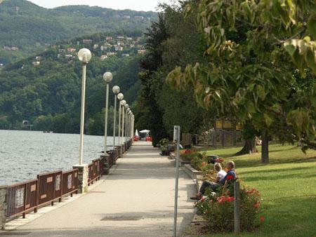 Luino: Diese romantische Promenade entlang spazierten schon berühmte Dichter vor Jahrhunderten